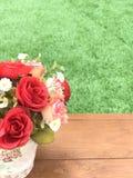 Πλαστικό λουλούδι στοκ εικόνες