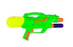 Πλαστικό πυροβόλο όπλο νερού που απομονώνεται που απομονώνεται στο άσπρο υπόβαθρο Στοκ Εικόνα