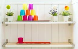 Πλαστικό φλυτζάνι χρώματος Στοκ φωτογραφίες με δικαίωμα ελεύθερης χρήσης