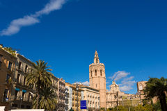 Πλατεία της Βαλένθια με τον καθεδρικό ναό και Miguelete Στοκ εικόνα με δικαίωμα ελεύθερης χρήσης