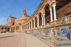 Πλατεία της Σεβίλης - Plaza de Espana στο Art Deco και το νεω-Mudejar ύφος και οι κεραμωμένες «αλκόβες επαρχιών» κατά μήκος των τ Στοκ Εικόνες