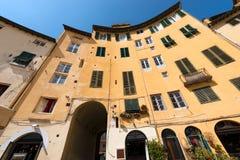 Πλατεία Anfiteatro - Lucca Τοσκάνη Ιταλία Στοκ εικόνα με δικαίωμα ελεύθερης χρήσης