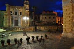 Πλατεία Bellini πλατειών του Παλέρμου τή νύχτα Ιταλία Σικελία Στοκ Εικόνες