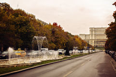 Πλατεία Unirii φθινοπώρου στο Βουκουρέστι Ρουμανία στο 24/10/2016 Στοκ εικόνες με δικαίωμα ελεύθερης χρήσης