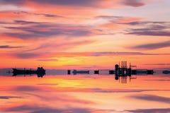Πλατφόρμα αερίου ή πλατφόρμα εγκαταστάσεων γεώτρησης Στοκ φωτογραφία με δικαίωμα ελεύθερης χρήσης