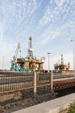 Πλατφόρμα αερίου και πλατφορμών άντλησης πετρελαίου στο λιμένα Tenerife Στοκ Φωτογραφίες