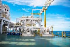 Πλατφόρμα πετρελαίου και φυσικού αερίου στον κόλπο ή τη θάλασσα Στοκ Εικόνα