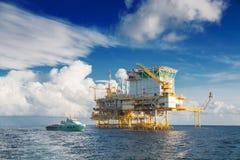 Πλατφόρμα πετρελαίου και φυσικού αερίου Στοκ Εικόνες