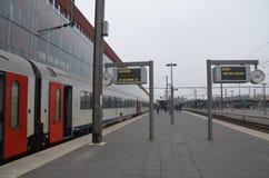 Πλατφόρμα τραίνων Στοκ φωτογραφία με δικαίωμα ελεύθερης χρήσης