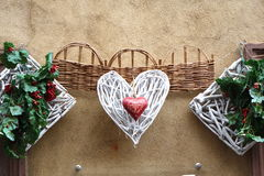 Πλεγμένες καρδιές και άλλη διακόσμηση Στοκ Εικόνες