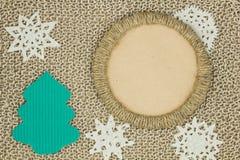 Πλεκτό νήμα ύφασμα γιούτας Snowflakes, χριστουγεννιάτικο δέντρο Στοκ φωτογραφία με δικαίωμα ελεύθερης χρήσης