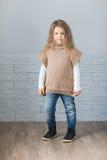 Πλεκτό παιδί πουλόβερ μόδας Στοκ εικόνες με δικαίωμα ελεύθερης χρήσης