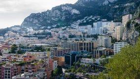Πλευρά της πόλης του Μονακό που ανέρχεται στα βουνά Στοκ εικόνα με δικαίωμα ελεύθερης χρήσης
