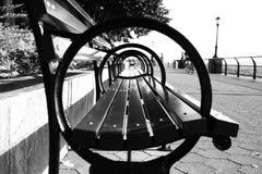 Πλευρά armrest πάγκων πάρκων στο γραπτό ύφος Στοκ Εικόνες