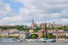 Πλευρά Buda της Βουδαπέστης από πέρα από το Δούναβη στοκ φωτογραφία με δικαίωμα ελεύθερης χρήσης
