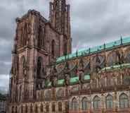 Πλευρική άποψη σχετικά με τον καθεδρικό ναό του Στρασβούργου Στοκ Φωτογραφία