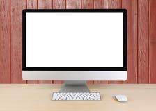 Πληκτρολόγιο και ποντίκι υπολογιστών στον πίνακα με το κόκκινο ξύλινο backgrou τοίχων Στοκ φωτογραφία με δικαίωμα ελεύθερης χρήσης