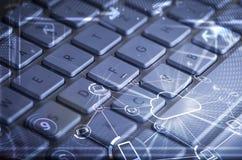 Πληκτρολόγιο με τα καμμένος εικονίδια τεχνολογίας σύννεφων Στοκ φωτογραφίες με δικαίωμα ελεύθερης χρήσης