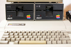 Πληκτρολόγιο που θολώνονται και μονάδα δίσκου της ηλικίας Apple Computer Στοκ Φωτογραφία