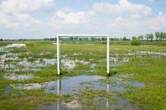 Πλημμυρισμένος αγωνιστικός χώρος ποδοσφαίρου Στοκ εικόνα με δικαίωμα ελεύθερης χρήσης