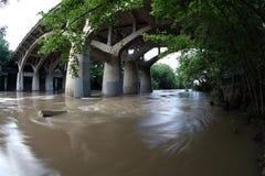 Πλημμυρισμένος κολπίσκος Barton, αναμνηστική πλημμύρα στο Ώστιν Τέξας στοκ φωτογραφία