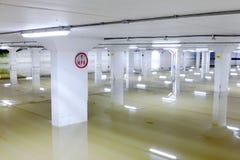 Πλημμυρισμένο σημάδι γκαράζ αυτοκινήτων Στοκ Φωτογραφίες