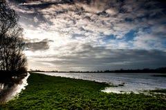Πλημμύρα και ουρανός Fenland Στοκ Φωτογραφία