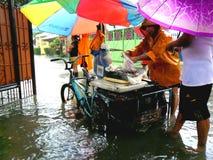 Πλημμύρα που προκαλείται από τον τυφώνα Mario (διεθνές όνομα Fung Wong) στις Φιλιππίνες στις 19 Σεπτεμβρίου 2014 Στοκ Φωτογραφία