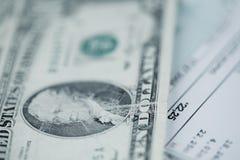 Πληρωμή των λογαριασμών στοκ εικόνες