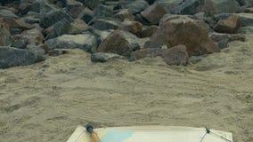 Πλοήγησης όργανα, διάγραμμα στην άμμο Βράχοι γρανίτη Αποβάθρα Metall, στυλίσκος απόθεμα βίντεο