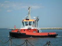 Πλοήγηση βαρκών ρυμουλκών Στοκ εικόνες με δικαίωμα ελεύθερης χρήσης