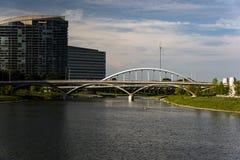 Πλούσιοι & γέφυρα αψίδων κεντρικών δρόμων - ποταμός Scioto - Columbus, Οχάιο Στοκ Φωτογραφίες