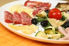 Πλούσιο και εύγευστο γεύμα προγευμάτων Στοκ Φωτογραφία