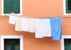 Πλυμένο πλυντήριο στη σειρά Στοκ φωτογραφίες με δικαίωμα ελεύθερης χρήσης