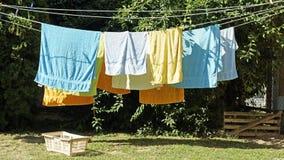 Πλυντήριο και ένα καλάθι στοκ εικόνα