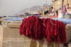 Πλυντήριο στο Varanasi Ghats Στοκ Φωτογραφία