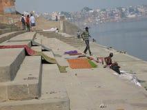 Πλυντήριο Assi Ghat Varanasi Ινδία στοκ φωτογραφίες με δικαίωμα ελεύθερης χρήσης
