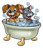 Πλύση γατών και σκυλιών κινούμενων σχεδίων στο λουτρό ελεύθερη απεικόνιση δικαιώματος