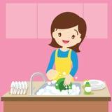 Πλύση πιάτων Mom ελεύθερη απεικόνιση δικαιώματος