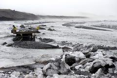Πλύσιμο από τη γέφυρα μετά από την καθίζηση εδάφους στον τομέα του ηφαιστείου Katla, Ισλανδία Στοκ Φωτογραφίες