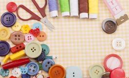 ράβοντας δακτυλήθρα βελόνων εξαρτήσεων βαμβακιού Στοκ φωτογραφία με δικαίωμα ελεύθερης χρήσης