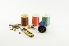 ράβοντας δακτυλήθρα βελόνων εξαρτήσεων βαμβακιού Στοκ Φωτογραφία
