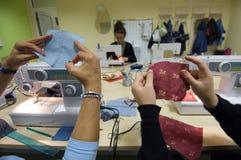 ράβοντας γυναίκες της Βοσνίας στοκ εικόνα με δικαίωμα ελεύθερης χρήσης