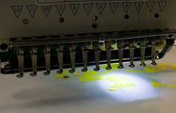 ράβοντας εργασία μηχανών Στοκ Εικόνες
