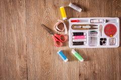 Ράβοντας εργαλεία και ράβοντας εξάρτηση Στοκ Εικόνες
