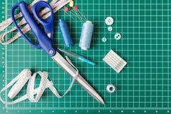 Ράβοντας εργαλεία προσθηκών Στοκ εικόνα με δικαίωμα ελεύθερης χρήσης