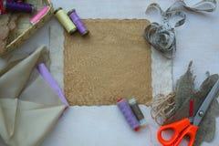 Ράβοντας εργαλεία - υπόβαθρο Στοκ φωτογραφία με δικαίωμα ελεύθερης χρήσης