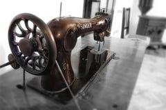 Ράβοντας μηχανή - τραγουδιστής στοκ φωτογραφίες με δικαίωμα ελεύθερης χρήσης