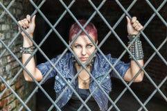 ράβδοι πίσω από το κορίτσι Στοκ φωτογραφία με δικαίωμα ελεύθερης χρήσης