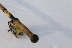 Ράβδος αλιείας μυγών άσπρο στενό σε επάνω Στοκ Εικόνες